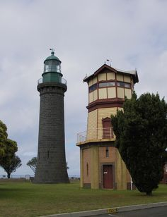 Lighthouses of Australia: Victoria - Queenscliff Black lighthouse and the wooden signal station, Fort Queenscliff