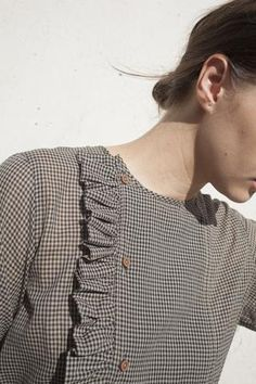 Caron Callahan Rosie Ruffle Top in Gingham Neck Designs For Suits, Dress Neck Designs, Designs For Dresses, Simple Kurti Designs, Kurta Designs, Blouse Designs, Sewing Blouses, Kurta Neck Design, Mode Inspiration