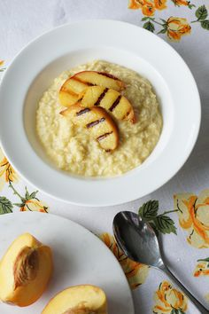 "Grain-Free Peach and Ginger ""Oatmeal"" (gluten free, paleo,  vegan, low carb)  This porridge is made with coconut shreds and spaghetti squash. Who would have guessed?"