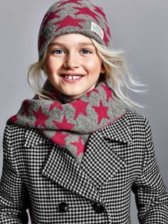 Gant kids for Gant kids Winter Hats, Turtle Neck, Sweaters, Photography, Fashion, Going Out Clothes, Clothes For Girls, Bebe, Glove