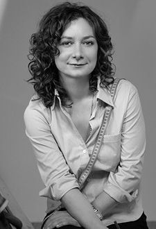 Sara Gilbert - while eating gumbo at the LA Farmers Market. Best sighting ever!