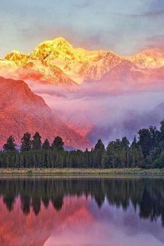 Lake Matterson, Nouvelle Zelande ♥ ♥ www.paintingyouwithwords.com