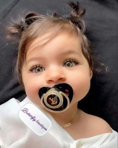 Best Solution for Family with Love! More than families worldwide trust our store. Cute Little Baby, Cute Baby Girl, Little Babies, Baby Kids, Baby Baby, Cute Baby Videos, Cute Baby Pictures, Beautiful Pictures, Cute Mixed Babies
