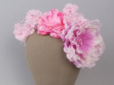 Ślubna opaska do włosów z materiałowych kwiatów.  Madame Allure - ozdoby ślubne i dekoracje weselne.  #opaskaślubna #ozdobyślubne #ślub