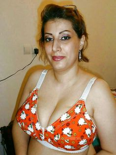 214 Best BLOUSE images in 2019 | Indian aunty, Desi, Housewife