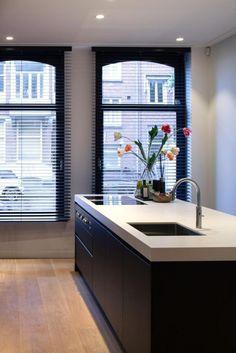 design - Exclusive living inspiration in the United Kingdom Interior Design Tips, Interior Design Kitchen, Black Kitchens, Home Kitchens, Kitchen Black, Cocinas Kitchen, Rustic Kitchen Design, Kitchen Rules, Beautiful Kitchens