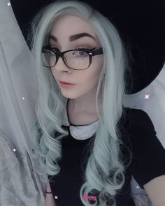 Wow this gorgeous girl comes again. thanks for our sweet girl @tabb.le.cat to show her Blue Color Long Wavy wig she is sooo cute and perfect. love it very much Wig SKU: SN7-1001/5412/2334 #Grayish #Blonde #longwavyhair #reddish #ombrewig #straightwig #evahair #evahairofficial #fashion #thanksgiving