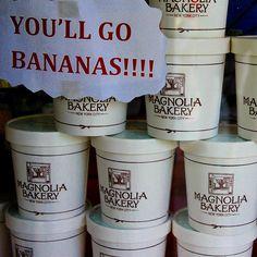 It is in this glass that comes the wonderful banana jam. . É neste copo que vem o maravilhoso doce de banana da Magnoilia Bakery. Veja o nosso post sobre a delicatessen de Nova York: . http://www.turistaprofissional.com/2013/10/02/magnolia-bakery-e-cake-boss-adocando-a-boca-em-nova-york/
