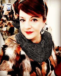 """""""Le mie consulenze di personal shopper, non servono a suggerire come vestire ma ad aiutare tramite proposte di abbigliamento e consigli ad avere più fiducia in se stesse e nella propria personalità. Senza cambiare completamente il proprio guardaroba, con aggiunte attuali si può modificare il proprio stile restando sempre attuali."""" Segue su: http://apinchofgingerspice.com"""