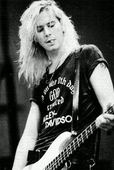 Duff McKagan (Guns 'N Roses, Velvet Revolver, Loaded)