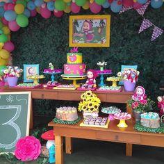 Festa Masha e o Urso com doces e pirulitos deliciosos de Decor By . Marsha And The Bear, 2nd Birthday Party For Girl, Teddy Bear Birthday, Aloha Party, Sweet Corner, Alice, Bear Party, First Birthdays, Google
