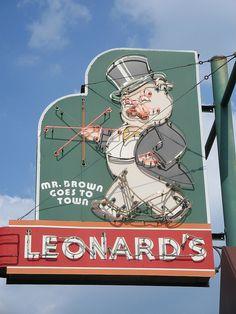 Leonard's BBQ Memphis, TN