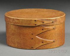 Shaker Oval Covered Box | Sale Number 2618B, Lot Number 515 | Skinner Auctioneers