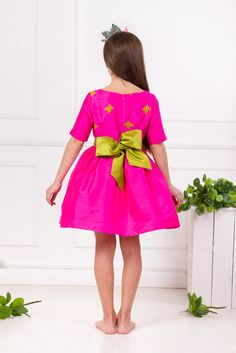 Lazy Francis is a luxury childrenswear brand designing clothes for girls from 1 till 16 years old. Dress Outfits, Girl Outfits, Girls Designer Clothes, Girls Party Dress, Mini Me, Couture Dresses, Girls Shopping, Couture Fashion, Tutu