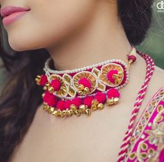 Brides are ditching the conventional floral jewellery choice for their mehndi and going gaga over this new in-house gota jewellery trend. Check out the best gota jewellery sets we spotted on brides. India Jewelry, Pearl Jewelry, Wedding Jewelry, Jewelery, Silver Jewelry, Gota Patti Jewellery, Handmade Necklaces, Handmade Jewelry, Fabric Jewelry