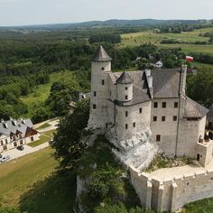 Zamek Bobolice – zamek królewski zbudowany w połowie XIV w. na Jurze Krakowsko-Częstochowskiej, w systemie tzw. Orlich Gniazd, we wsi Bobolice w województwie Śląskim.