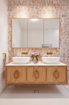 The winning guest ensuite from Mark & Mitch on The Block 2021 Reece Bathroom, White Bathroom, Bathroom Interior, Modern Bathroom, Timber Vanity, Huge Shower, Concrete Basin, Shower Taps, Feature Tiles