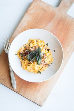 Pumpkin Creme Fraiche Spaghetti with Fried Onions and Sage Leaves   cafejohnsonia.com