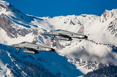 "https://flic.kr/p/RMcCFU | 'Mountain of Tigers', F-5E Tiger II, J-3073 & J-3095, 19 Staffel, ""Swans"", Swiss Airforce | Sion, Canton of Valais, Switzerland"