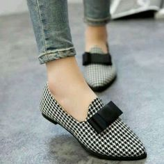 26 types of shoes so comfortable that you want to have them right now in your closet - Обувь - Zapatos Suede Shoes, Shoe Boots, Shoes Sandals, Flat Shoes, Pretty Shoes, Beautiful Shoes, Trend Fashion, Fashion Shoes, Everyday Shoes