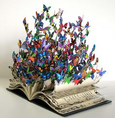 David Kracov's breathtaking sculpture entitled The Book of Life will really give you butterflies.The metal sculpture, which stands at around half a metre tall, is a tribute to the extraordinary life o. Butterfly Books, Butterfly Art, Rainbow Butterfly, Butterfly Painting, Butterfly Crafts, Art Papillon, Book Of Life, Beautiful Butterflies, Butterflies Flying