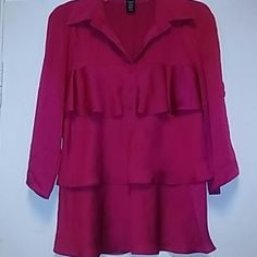 Apostrophe blouse. Size medium Beautiful blouse. Size medium. Polyester. Very good condition. Preowned. Apostrophe Tops Blouses