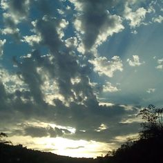 E mi ritrovo a guardare il #cielo: nelle sue #nuvole mi sono persa. #clouds #cloudy #lovely #amazing #sun #sunday #yesterday #sunnysunday #view #ontheroad #sky #sole #summer #september2015 #september #followme #igers #myphoto