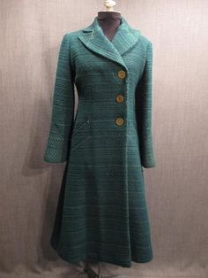 i think this would be a good jacket maybe for lady montague. Womens coat Womens 1930s green wool. Chic.