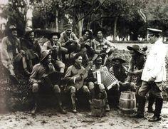 Revolucionários de 1930 acampados no Jardim da Luz.