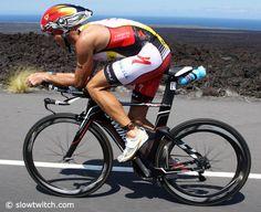 Kona top 15 men on bikes Craig Alexander, Tactical Guns, Trial Bike, Ironman Triathlon, Cycling Gear, Shiva, Glutes, Champs, Iron Man