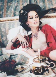 Ellen von Unwerth - Photographer  Taylor Warren - Model