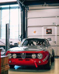 — • : @tedgushue • #DriveTastefully — view on... Alfa Romeo Junior, Alfa Romeo 1750, Alfa Romeo Gta, Vintage Racing, Vintage Cars, Alfa Bertone, Alpha Romeo, Alfa Cars, Turin