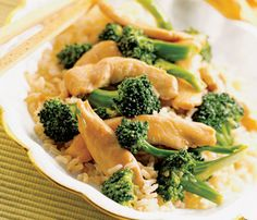 #Chicken dishes under 450 calories: Stir-Fry with Peanut Sauce #SelfMagazine #Healthy #Dinner
