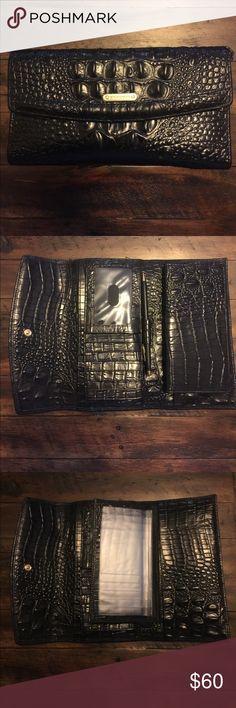 Brahmin wallet Excellent condition 🌸 Brahmin Bags Wallets