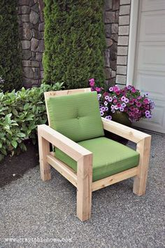 Pallets Outdoor Furniture DIY Modern Rustic Outdoor Chair plans using outdoor cushions from Target.