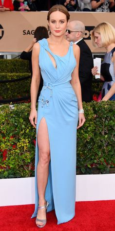 #BrieLarson in #Versace with Tiffany & Co. jewelry and Roger Vivier #shoes.