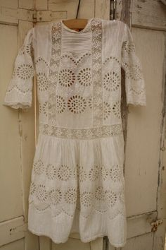 vintage eyelet lacework from the netherlands Old Dresses, Clothing And Textile, Communion Dresses, Linens And Lace, Tweed, Spring Fashion, Vintage Items, White Dress, Vintage Fashion