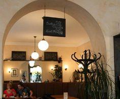Das Kaffeehaus am Zoo Frankfurt. Sie erreichen uns mit der Straßenbahnlinie 14, sowie mit den U-Bahnlinien U6 und U7, Haltestelle Zoo.