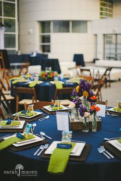 Crocker Art Museum Wedding Photos - colbolt blue wedding - Sarah Maren Photographers
