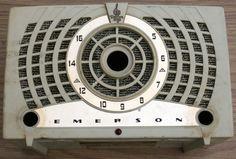 1954 Emerson 778B Radio
