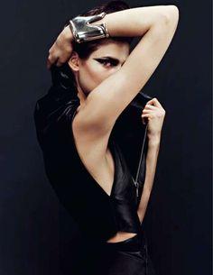 sinolia:    Kendra Spears by Sharif Hamza for Vogue Russia.