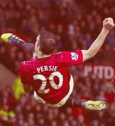 Robin van Persie has agreed to sign with Fenerbahce after 3 years at Manchester United. Soccer Stars, Soccer Boys, Steven Gerrard, Pier Paolo Pasolini, Robin Van, Van Persie, Premier League Champions, Football Is Life, Manchester United Football