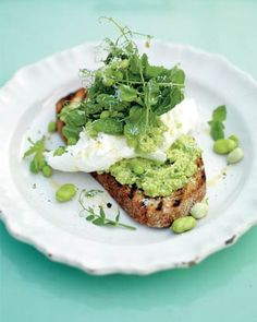 Incredible smashed peas and fava beans on toast. Jamie Oliver. #Recipes #Vegetarian #Christmas #JamieOliver