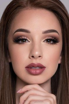 52 best gorgeous and trendy brown eyes makeup design for prom or party braut make up ideen; hochzeits make up fr braune augen; hochzeits make up fr augen blaue braune braut fr hochzeits ideen makeup Wedding Makeup For Brown Eyes, Wedding Makeup Tips, Natural Wedding Makeup, Natural Makeup Looks, Bridal Makeup, Romantic Makeup, Simple Makeup, Wedding Airbrush Makeup, Engagement Makeup Ideas