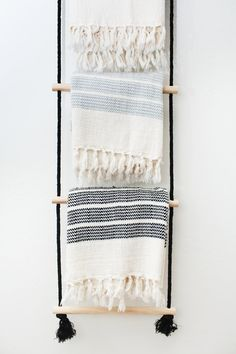Loving this boho DIY hanging ladder.