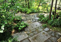 施工例4=足元の表情――敷石、飛び石、石畳|高田造園設計事務所