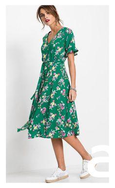 stylizacja casual, ciekawa stylizacja, moda damska, sukienka w kwiaty, sukienka midi Short Sleeve Dresses, Dresses With Sleeves, Casual, Outfits, Fashion, Moda, Suits, Sleeve Dresses, Fashion Styles