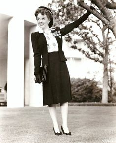 Fashion From the 1940s | tumblr_lrxicoUBK61qb8ugro1_500