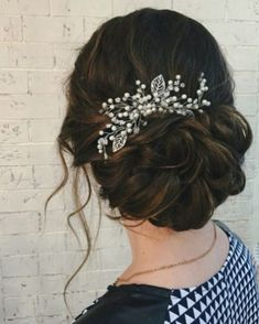 Best wedding hairstyles for long hair with vail bridal updo 57 Ideas Bridal Chignon, Romantic Bridal Updos, Bridal Braids, Best Wedding Hairstyles, Loose Hairstyles, Bride Hairstyles, Bridesmaid Hair, Prom Hair, Hair Flow