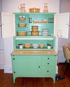 Butterfly Gold Pyrex & Hoosier cabinet! steph2130